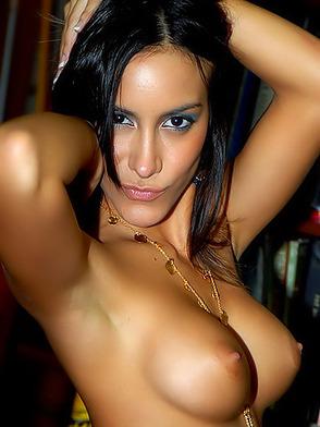 Сексуальные и красивые латино порно